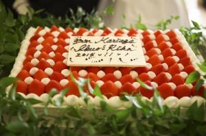旬のイチゴがいっぱい♡ウェディングケーキ