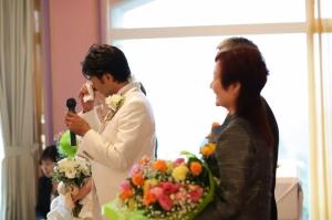 【思わず新郎も男泣き】涙、涙の結婚式