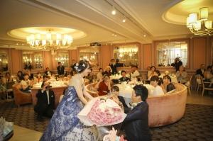 結婚式で実際にあった新郎からのサプライズ